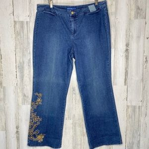 Avenue NWT Stretch Bootcut Gold Embroidery Design